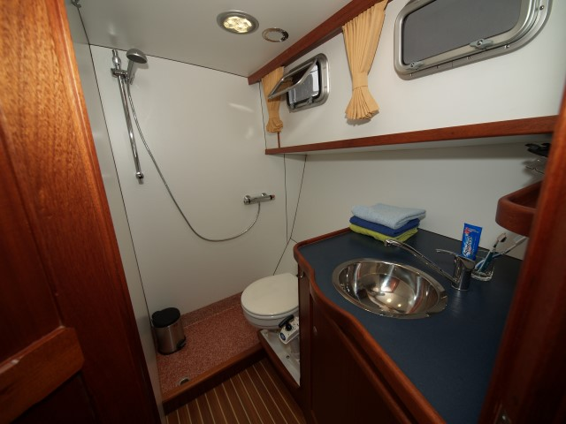 badkamer simmer twirre yachtcharter sneek